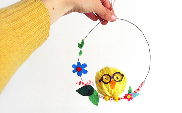 swinging-easter-chick