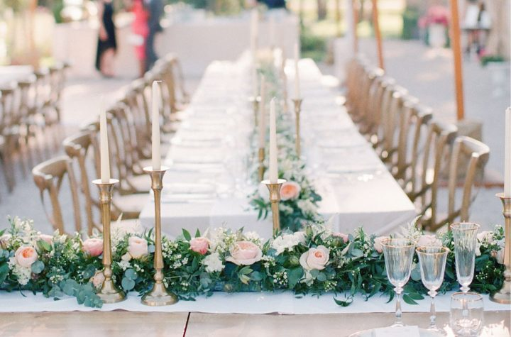 6 Gorgeous Floral Table Runner Ideas for Your Wedding Day