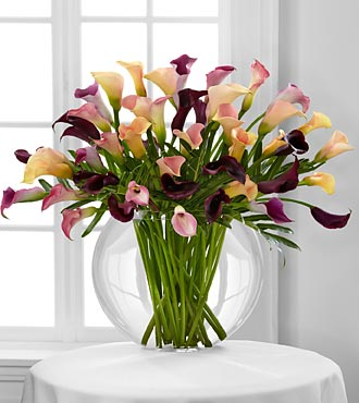 Flawless Luxury Calla Lilies Flower Bouquet - 45 Stems - Vase Included