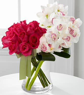 Connection Luxury Rose & Cymbidium Orchid Flower Bouquet - 14 Stems - Vase Included