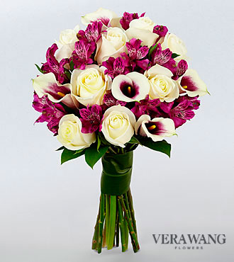 Vera Wang Absolute Elegance Fashion Flower Bouquet - 19 Stems