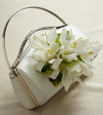 The FTD White Purse DÉCor
